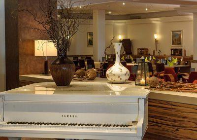 Mercure Hotel Koblenz Bar Riverside mit Klavier